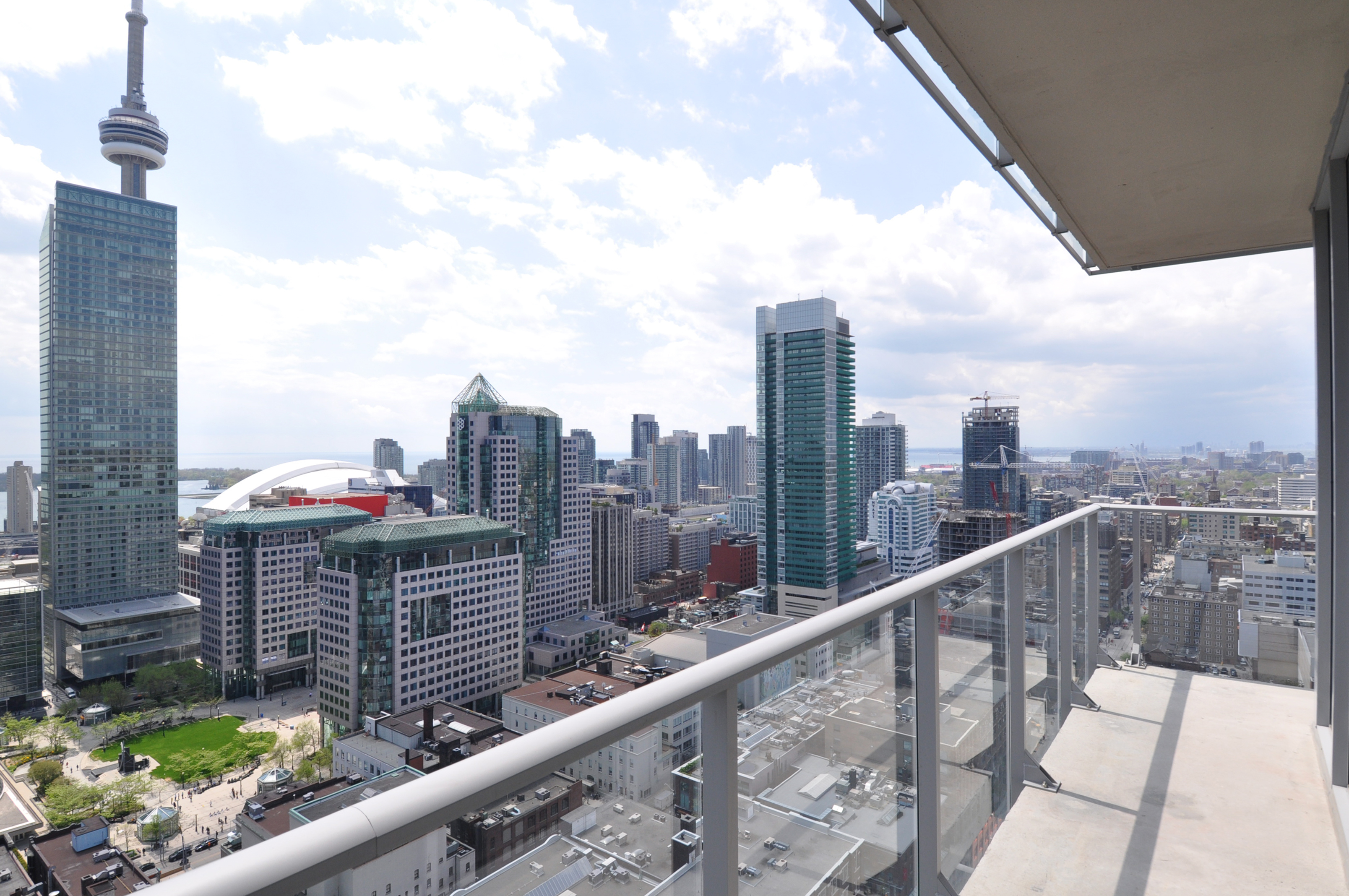 Boutique condo realpropertyintoronto for 126 simcoe st floor plan